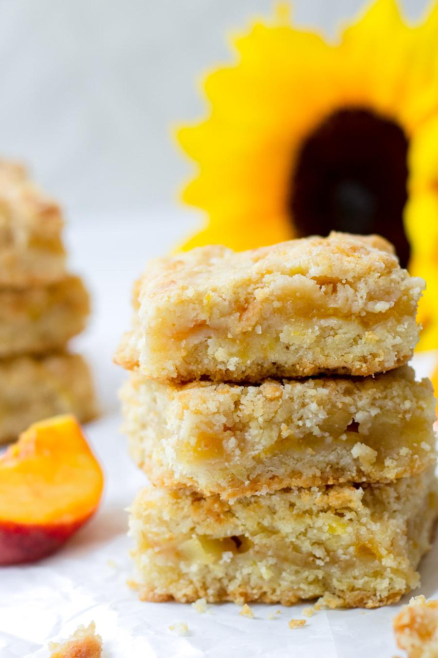 apple peach crumb bars