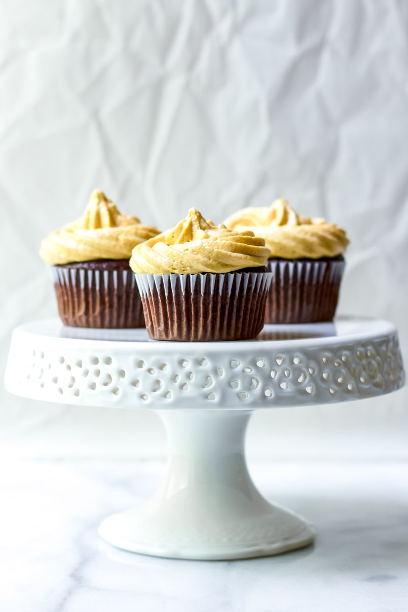 Dulce de Leche Cupcakes with Frosting