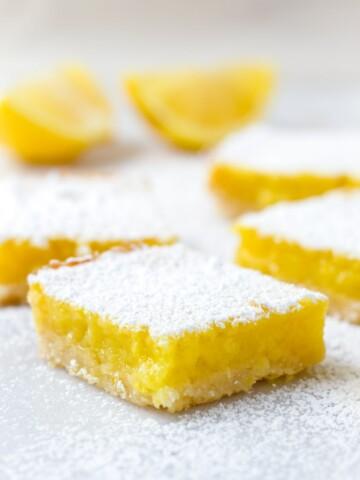 Lemon Bar Recipe with Shortbread Crust and Confectioner's Sugar