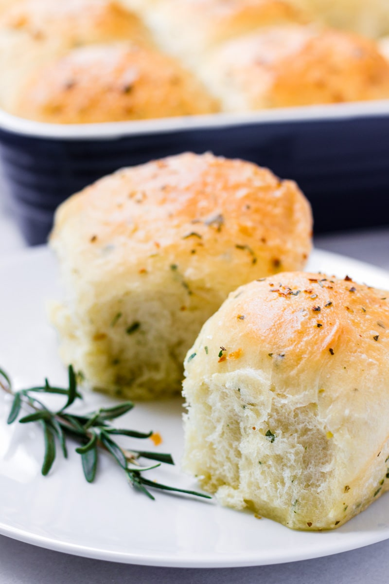 9 by 13 herb dinner rolls with garlic