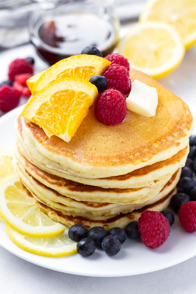 Ricotta pancakes with citrus flavors