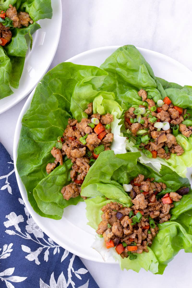 Top view of chinese chicken lettuce wraps