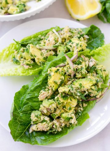 Healthy avocado tuna salad on lettuce cups