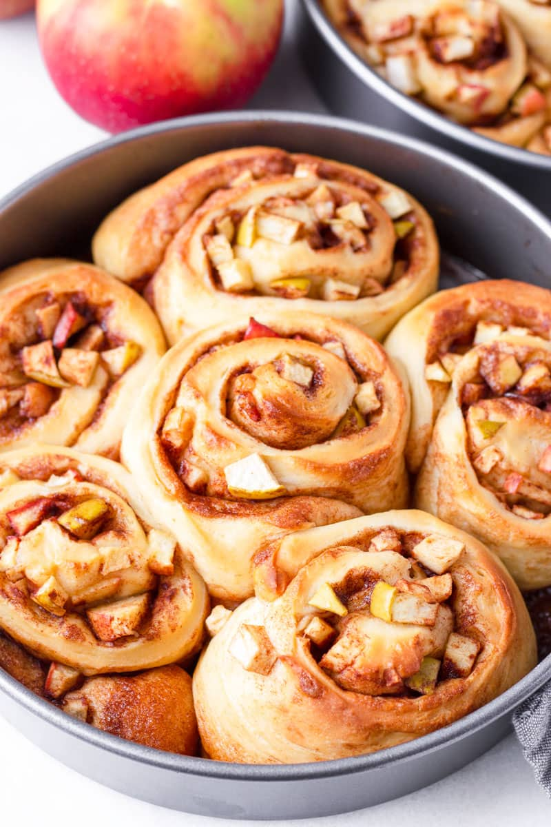 six baked rolls in a round nine inch baking pan