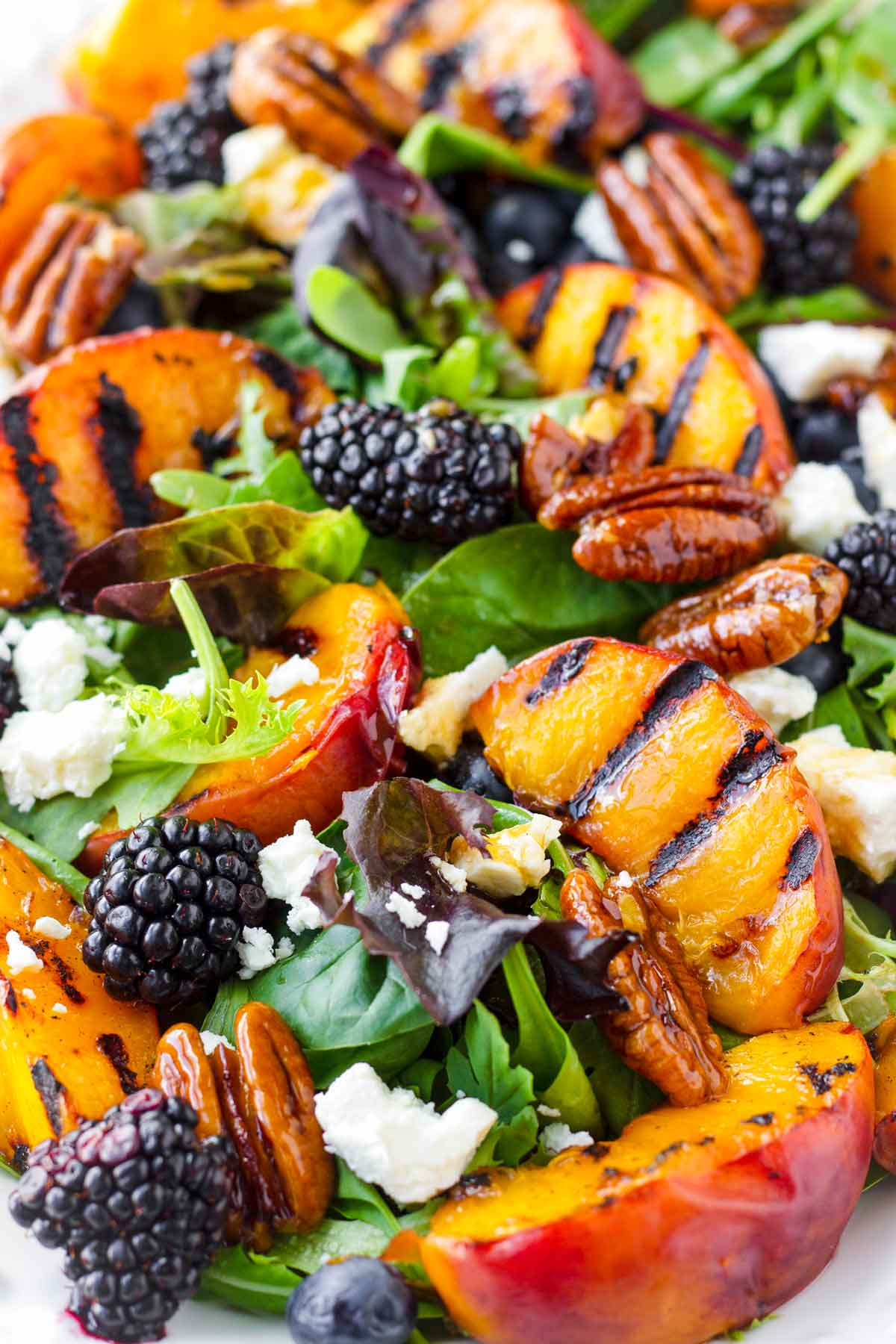 grilled peach salad with blackberries and blueberries