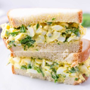 egg and spinach salad sandwich