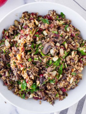 wild rice pilaf with cranberries and mushrooms